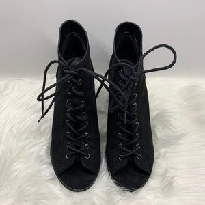 Urban Outfitters Lace Up booties